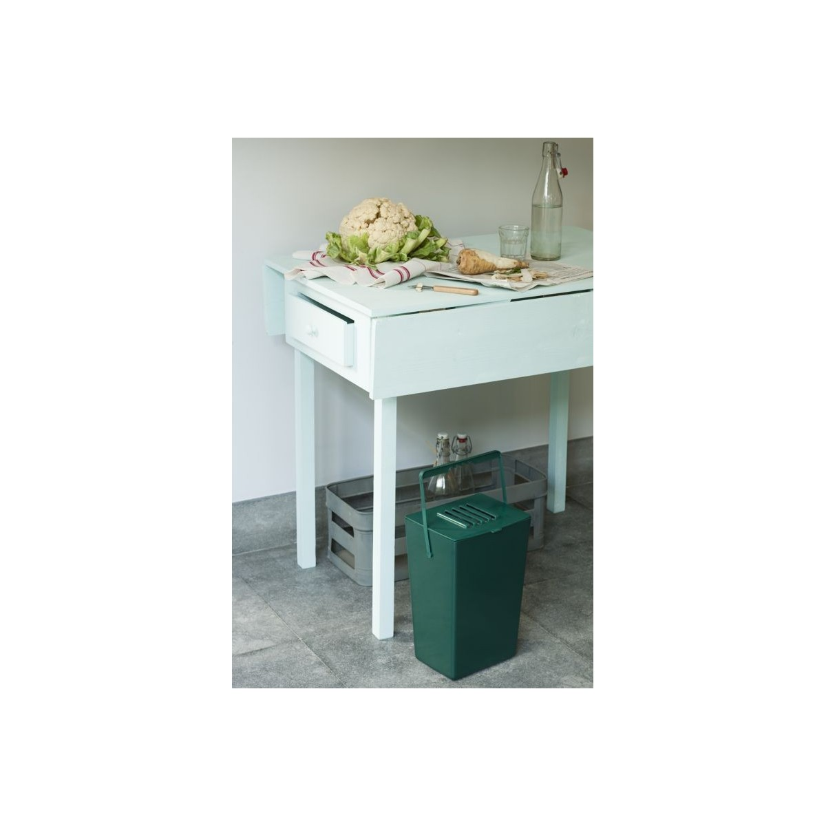 Poubelle sp cial d chets verts botanique editions for Cuisine 0 dechet